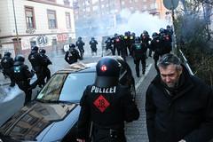 Blockupy_Frankfurt_2015_Ausschreitungen_Gewalt_Polizei (45 von 110) (Marcel Bauer) Tags: frankfurt ausschreitungen tear gas ezb