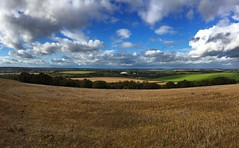 Hampshire Countryside (Marc Sayce) Tags: fields countryside clouds telegraph hill chilcomb winchester hampshire south downs way national park england autumn october 2017