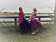 Rapunzel and Anna (Elysia in Wonderland) Tags: rapunzel anna elysia meryn tangled frozen princess princesses disney cosplay costume marvellous events party reservoir