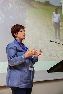 Cara Raboanarielina from CRS her presentation