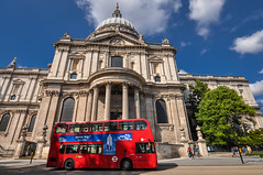 St. Paul's (ccr_358) Tags: ccr358 2016 august summer uk gb england unitedkingdom greatbritain london nikond5000 nikon d5000 centrallondon day sunny city cityoflondon stpaulscathedral cathedral church churchexterior bus doubledecker doubledeckerbus red stpauls