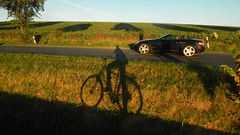 Duel (offroadsound) Tags: duel duell bicycle car shadow