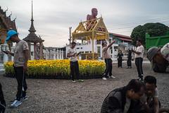 * (Sakulchai Sikitikul) Tags: street snap streetphotography songkhla sony voigtlander 28mm a7s temple statues selfie hatyai watkoksamankun