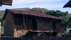 Cabaña (Oscar F. Hevia) Tags: cabaña casa otoño cottage house autumn asturias asturies españa paraísonatural principadodeasturias spain tuña principalityofasturias naturalparadise