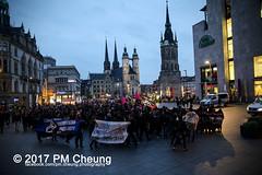 Kick them out! Faschos verpisst euch! Nazizentrum dichtmachen! – 28.10.2017 – Halle (Saale) – IMG_5853 (PM Cheung) Tags: kickthemoutfaschosverpissteuchnazizentrumdichtmachen antifademo identitärebewegungib schulungszentrum rechtspopulisten neonazis afd bundestagswahlen2017 rechtsruck pegida refugeeswelcome hal2810 faschosverpissteuchnazizentrumdichtmachen pmcheung antifa proteste hallesaale sachsenanhalt polizei demonstration pomengcheung alternativefürdeutschland rassismus flüchtlinge bundesregierung angelamerkel flüchtlingspolitik asylpolitik 2017 mengcheungpo aufstehengegenrassismus antiafddemo facebookcompmcheungphotography hansthomastillschneider kickthemout einprozentbewegung identitären adamkuckhoffstrase einprozent antifademonstration protest