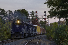 Flares at sunset (Thomas Coulombe) Tags: panamrailways panam pose emdsd402m sd402m freighttrain train signalbridge signals searchlights littleton massachusetts