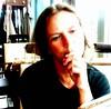 2007-09-04 Neumünster, Klatschpalais (kaianderkiste) Tags: anja annigrannini portraet portrait neumünster klatschpalais porträt thinking denken sinnieren