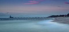 Seebrücke Zingst (mad_airbrush) Tags: ef2470mmf28lusm 2470mm long longexposure langzeitbelichtung küste ostsee meer balticsea sea beach strand waves seebrücke zingst sonnenuntergang sundown blue bluehoure blauestunde