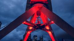 port rotterdam red crane against blue sky oneplus 3t 3 5... (Photo: alexx4444 on Flickr)