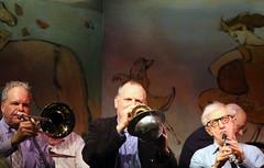 Woody Allen with the Eddy Davis New Orleans Jazz Band (Clara Ungaretti) Tags: woodyallen woodyallenandhisneworleansjazzband woodyalleneddydavisneworleansjazzband woodyallenjazzbandincafécarlylenyc concert show music live carlyle thecarlyle bar manhattan nyc ny newyork newyorkcity novayork estadosunidos estadosunidosdaamérica us usa unitedstatesofamerica unitedstates america american jazz livemusic