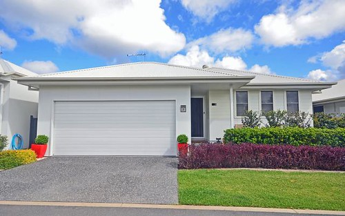21 Flores Street, Lake Cathie NSW 2445