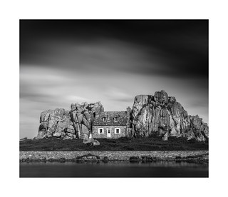 The House between the rocks