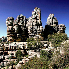 El Torcal de Antequera, Andalucia (pom.angers) Tags: canoneos400ddigital 2017 april spain andalusia europeanunion torcaldeantequera mountains 100 150 200 300 400 5000