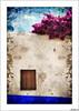 Entre dos cielos (V- strom) Tags: arquitectura arquitecture azul blue fucsia fuchsia marrón brown madera wood texturas textures nikon nikon2470 nikon50mm nikon105mm viaje travel recuerdo memory portugal óbidos cielo sky muro wall ventana window