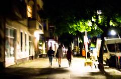 20170902-103 (sulamith.sallmann) Tags: menschen berlin blur candidshot deutschland germany grüntalerstrase jugend mitte nacht nachtaufnahme nachts night nightshot people trio unscharf wedding deu sulamithsallmann