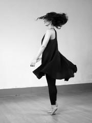 Dancer (Francisco (PortoPortugal)) Tags: 2352017 20171015fpbo6498 martaaguilar bailarina dancer portodartes porto portugal monochrome portografiaassociaçãofotográficadoporto franciscooliveira