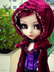 Happy Birthday, Moon!! (♪Bell♫) Tags: pullip bloody red hood moon rosenthal gothic groove doll happy birthday
