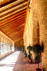 Hallway of Couvent des Jacobins (paweesit) Tags: couventdesjacobins toulouse france toulosefrance church jacobins brick building chapel architecture wall digital camera retrato paweesit photo photograph picture shot capture travel interesting interestingness