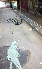 ghost-fantôme du pont (duketteman) Tags: boo pontdelavoierapide landart arles duketteman