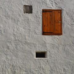 Windows (John G. Wendler) Tags: bayern oberpfalz oberreinbach altesbauernhaus fenster licht minimalism windows