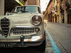 Alfa Romeo Giulietta 1300 (lorenzog.) Tags: alfaromeo giulietta alfaromeogiulietta1300 car vintagecar oldcar sedan classiccar berlina bologna viagalliera emiliaromagna italy cameraphone huawei