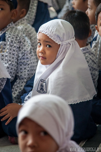 Dziewczynka ze szkoły w Dumai