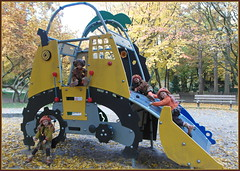 Abenteuerspielplatz ... Gruga ... (Kindergartenkinder) Tags: grugapark essen gruga kindergartenkinder annette himstedt dolls tivi milina sanrike annemoni