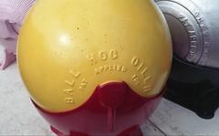 oiler yellow ball (rentavet) Tags: analog ashtabulacounty ashtabulaantiqueengine antiquetractor nikonfg konicacenturia400asa nikkor50mm