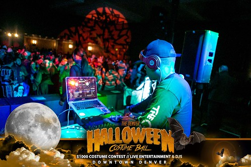 "Halloween Costume Ball 2017 • <a style=""font-size:0.8em;"" href=""http://www.flickr.com/photos/95348018@N07/24225112628/"" target=""_blank"">View on Flickr</a>"