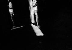 2017♦263 (ruggeroranzani_RR) Tags: analog blackandwhite 35mm film rolleirpx400 nikonf2photomic nipponkogakujapannikkorsauto114f50 shadow woman venice reflection adoxaph09