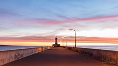 Duluth Lighthouse! (karindebruin) Tags: america autumn clouds coast colors filters kust kleuren lucht longexposure langesluitertijden minnesota meer orange oranje wolken pink paars pier sky sunrise usa vuurturen water duluth lighthouse nd06hardgrad leefilters
