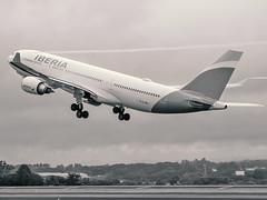 A330-200 (Bernal Saborio G. (berkuspic)) Tags: airbus a330 takeoff turbulence condensation iberia