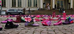 Pink Shoe Day (ingrid eulenfan) Tags: leipzig augustusplatz pinkshoeday pink schuhe shoes