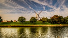 Moulin à Damme -(3833) (YᗩSᗰIᘉᗴ HᗴᘉS +9 500 000 thx❀) Tags: moulin windmill nature damme belgium belgique flandres landscape waterscape water river canal hensyasmine canon hdr eau