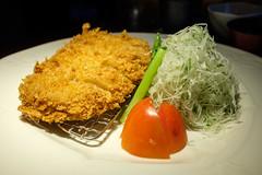 Tonkatsu (darkmasterxxx) Tags: tonkatsu pork tomato japanesefood cutlet japaneserestaurant salad mitsumori cabbage bangkok krungthepmahanakhon thailand th