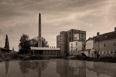 Michelsbräu (Ralph Pascher) Tags: michelsbräu babenhausen bier industrie alt lostplaces photoshop sephia monocrom spiegelung wasser water hessen germany