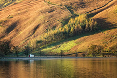 autumn arrives at buttermere (akh1981) Tags: manfrotto mountains nikon travel trees tamron landscape nisi lakedistrict lake wideangle water walking buttermere cumbria outdoors autumn
