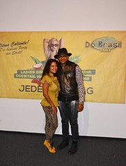 "With singer Descemer Bueno (who is actually the cousin of my cousin) right before his live concert in Do Brasil City. Munich, Germany  Oct 2017 #itravelanddance ""Súbeme la radio"" & ""Bailando"" are 2 of his last's hits.  Cuban flavor in da house • <a style=""font-size:0.8em;"" href=""http://www.flickr.com/photos/147943715@N05/37988288392/"" target=""_blank"">View on Flickr</a>"