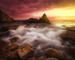 Suavitate maris (Blai Figueras) Tags: landscape autumn lloretdemar flickr playa rocks water sunset atmosphere beach energia cielo panorama clouds eden rocas longexposure stones paisaje horizon silkeffect sky dramatism emotional le sea emotions paraiso costa atardecer agua coast costabrava nature paradise colores seascape sun colours otoño energy naturaleza sol mar seaside