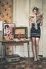 Ma Lou - Serie Vintage-Retro (www.michelconrad.fr) Tags: canon eos6d eos 6d ef24105mmf4lisusm 24105mm 24105 femme modele blanc portrait studio vintage journal ancien tapisserie coiffure retro alsace radio cuisine