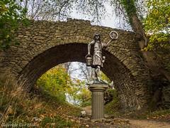 Krodo-Statue auf dem Burgberg 102017 3 (U. Heinze) Tags: harz herbst nature olympus