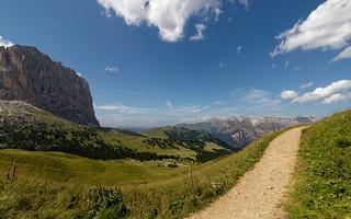 Dolomites: Passo di Sella