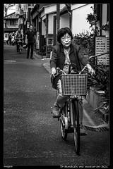Yo también me muevo en bici (meggiecaminos) Tags: japan japón nara streetphotography street strada calle bicicleta bicicletta bicycle bici bike mujer donna woman people gente urbanlandscape urbanphotography paisajeurbano fotografíaurbana bw bn bianco blanco black white negro nero life vida vidacotidiana normallife everyday
