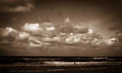 Children of the sea (Rosenthal Photography) Tags: dänemark sondervig asa100 color ff135 strand urlaub brandung c41 kodakektar100 20170802 analog 35mm nordsee olympusom2 denmak danmark sea beach ocean northsea summer mood clouds olympus om2 zuiko 50mm kodak ektar sepia