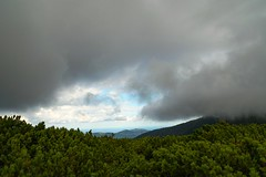clouds live (raisalachoque) Tags: nature grass green foggy clouds countryside hills