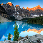 Sunrise at Moraine Lake thumbnail