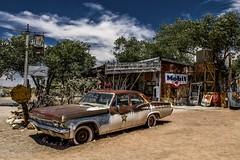 Starsky et Hutch (Isa-belle33) Tags: road roadtrip route66 road66 car voiture amérique america arizona old vintage retro fuji fujifilm fujix30