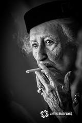 La mamie fumeuse... (Martial Baudewyns photographe) Tags: marsatak martial baudewyns bw nb fumeur fumée mamie