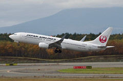 Boeing 737-846 | JA337J | JL/JAL | 2017/10/21 @ RJCC/CTS (nanjoyoshinori) Tags: aircraft