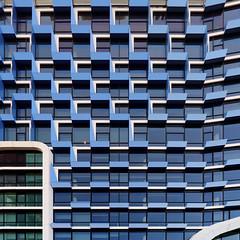 frontage blues (ohank1951) Tags: lines curves abstract square quadrado geometry geometric blue white windows building pattern architecture architectuur amsterdamzuid unstudio benvanberkel canoneos80d efs1022mmf3545usm
